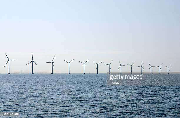Windturbinen vor der Küste von Kopenhagen, Dänemark