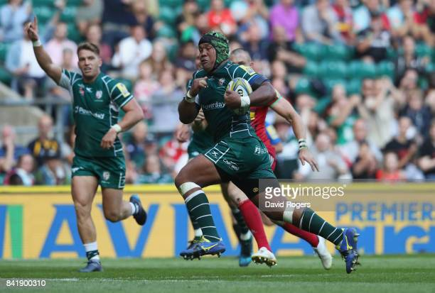 Ofisa Treviranus of London Irish breaks through as he scores their third try during the Aviva Premiership match between London Irish and Harlequins...