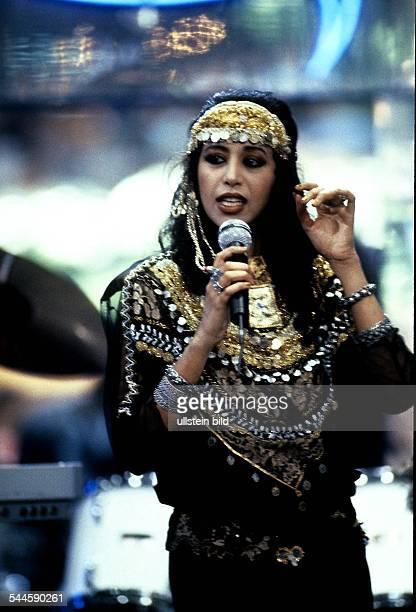 Ofra Haza Musikerin Saengerin Popmusik Israel Auftritt 1988