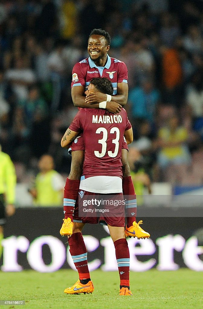 Ogenyi Onazi of Lazio celebrates scoring a goal (3-2) with team-mate Mauricio during the Serie A match between SSC Napoli and SS Lazio at Stadio San Paolo on May 31, 2015 in Naples, Italy.