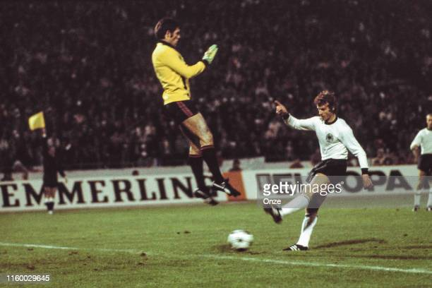 Ognjen Petrovic of Yugoslavia and Dieter Muller of West Germany during the Euro 1976 match between Yugoslavia and West Germany at Stadion FK Crvena...