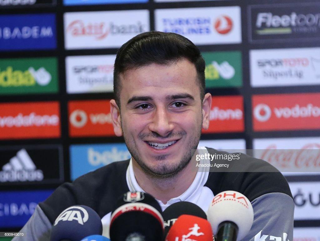 Besiktas' player Oguzhan Ozyakup : News Photo