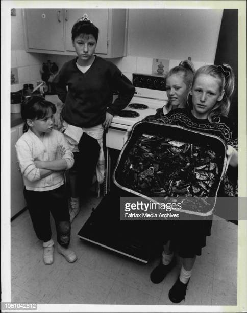 Oh No The Chips 13 yo Sharyn Searle leaves chips in the oven and smokes her house out when she leaves them in the oven after going to bed The Searle...