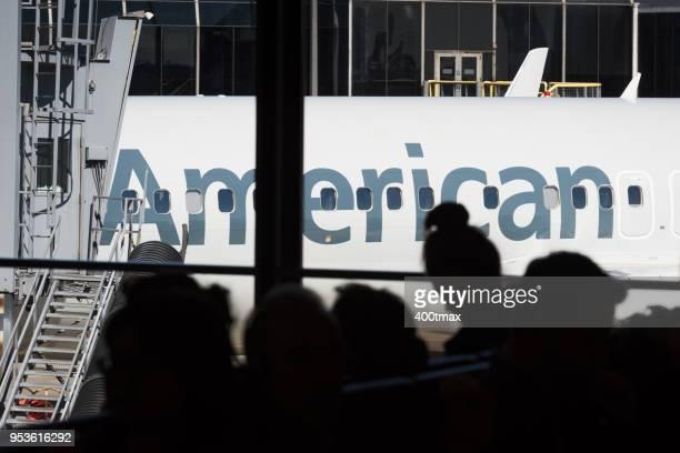 ohare - american airlines stock-fotos und bilder