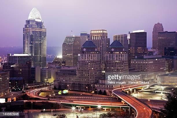 usa, ohio, cincinnati skyline at dawn - cincinnati stock pictures, royalty-free photos & images