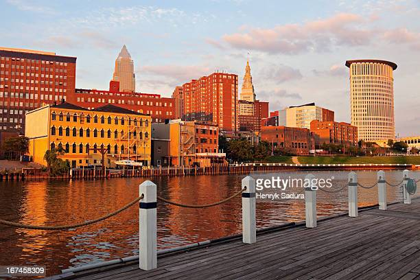 USA, Ohio, Cleveland, Cityscape at sunset