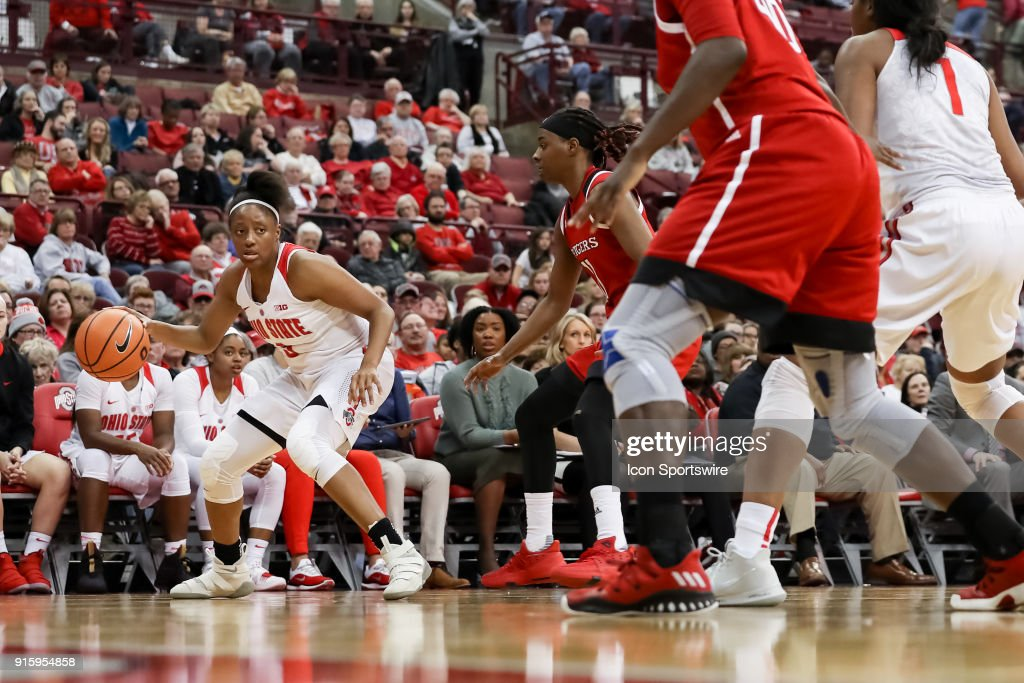 Ohio State Buckeyes guard Kelsey Mitchell (3) dribbles the ball under heavy pressure in a game between the Ohio State Buckeyes and the Rutgers Scarlet Knights on February 08, 2018 at Value City Arena in Columbus, OH. The Buckeyes won 90-68.