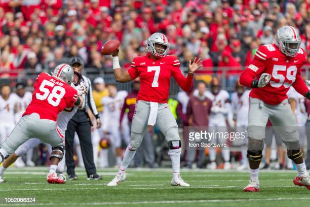 Ohio State Buckeyes quarterback Dwayne Haskins passes the ball in a game between the Ohio State Buckeyes and the Minnesota Golden Gophers on October...