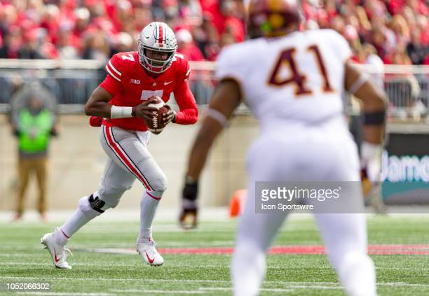 Ohio State Buckeyes quarterback Dwayne Haskins scrambles with the ball in a game between the Ohio State Buckeyes and the Minnesota Golden Gophers on...