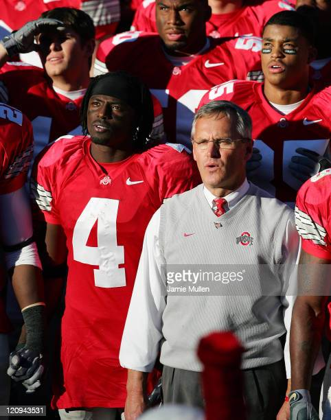 Ohio State Head Coach Jim Tressel and Receiver Santonio Holmes and other members of the Ohio State Buckeyes sing Carmen Ohio after their game against...