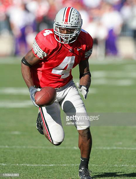 Ohio State Wide Receiver Santonio Holmes during the game against the Northwestern Wildcats November 12 at Ohio Stadium in Columbus Ohio The Buckeyes...