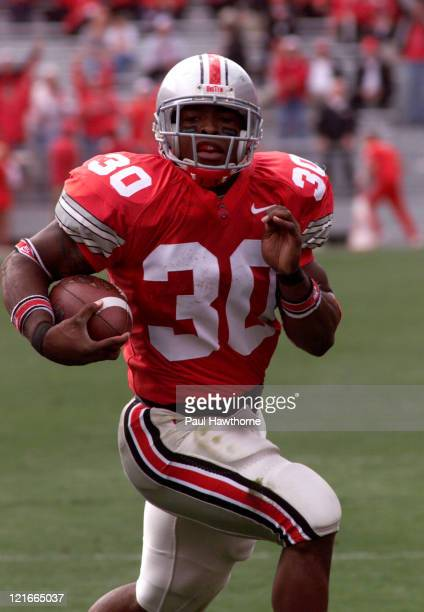 Ohio States Lydell Ross heads for the end zone to score States first touchdown of the game on a 12 yard run in the first quarter against Northwestern...