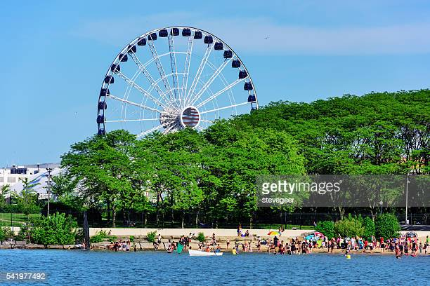 ohio street beach and ferris wheel, chicago - lakeshore stock pictures, royalty-free photos & images