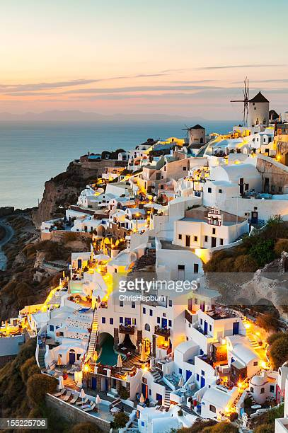 oia sunset, santorini, greece - oia santorini stock pictures, royalty-free photos & images