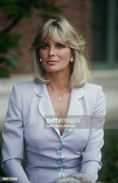 DYNASTY Oil Airdate January 12 1981 LINDA