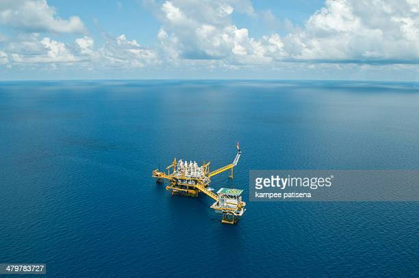 oil and gas drilling platform - golf von thailand stock-fotos und bilder