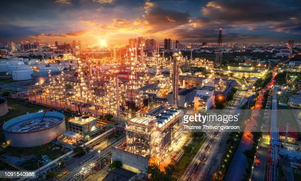 oil and gas industry - refinery factory - petrochemical plant at sunset - サウジアラビア ストックフォトと画像