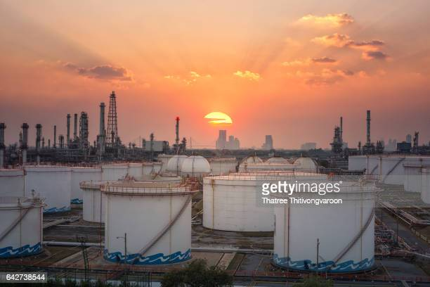 kuwait oil and gas industry q2 The 2018 oil and gas industry outlook explores the current state of the oil and gas industry and the long-term impacts of the extended oil price downturn.