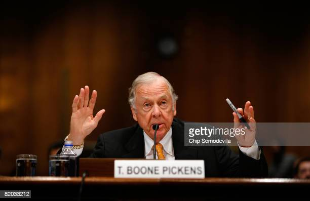 Oil billionaire T. Boone Pickens testifies before the Senate Homeland Security and Governmental Affairs Committee about alternative energy plans on...