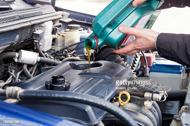 oil change - motor oil stock pictures, royalty-free photos & images