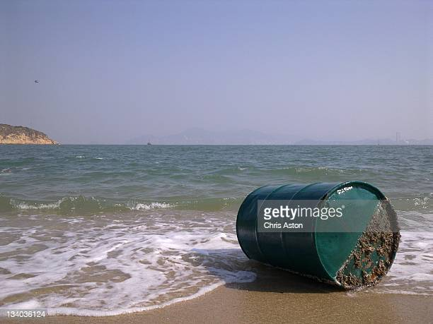 Oil drum bouncing in waves
