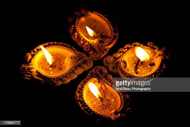 oil lamps or diyas for diwali - diya oil lamp stock pictures, royalty-free photos & images