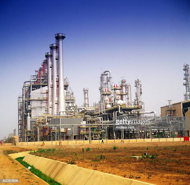 oil refinery and petrochemical installations in ni - nigeria stock pictures, royalty-free photos & images