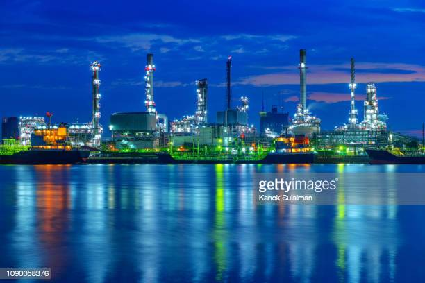 oil refinery, chemical & petrochemical plant - flowing water stock pictures, royalty-free photos & images
