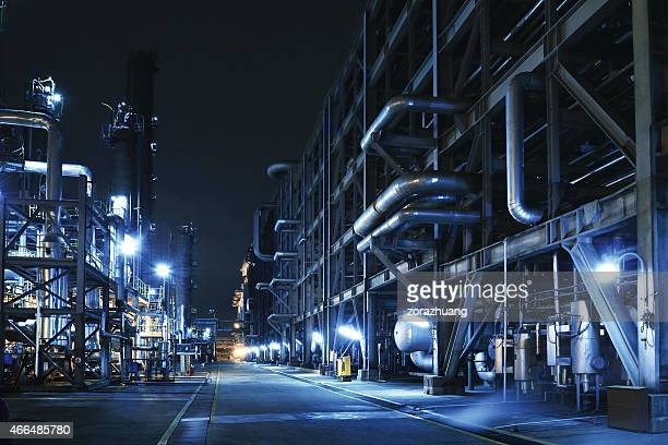 oil refinery, chemical & petrochemical plant - chemistry stock pictures, royalty-free photos & images
