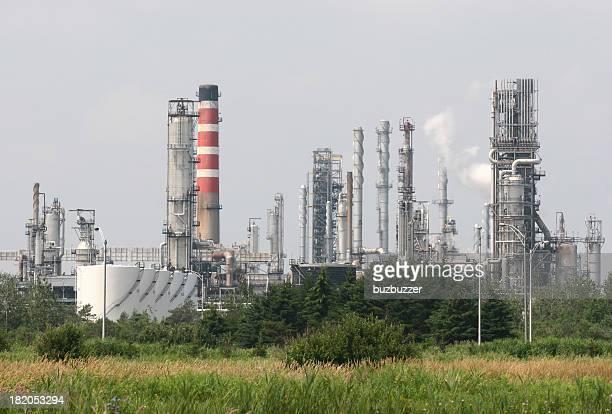 製油所でレヴィ街 - buzbuzzer ストックフォトと画像