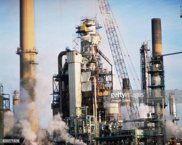 oil refinery in sarnia, ontario - サルニア ストックフォトと画像