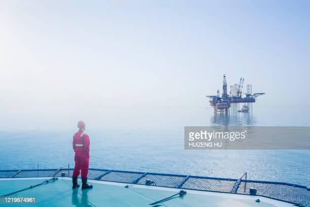 oil rig construction - gas stock pictures, royalty-free photos & images