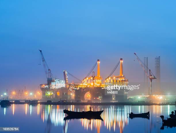 oil rig production platform - construction platform stock photos and pictures