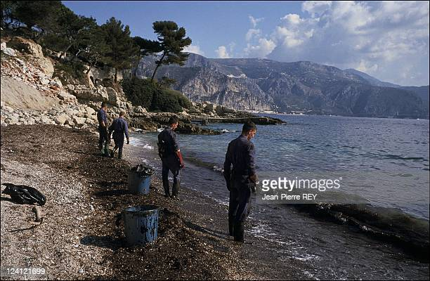 Oil slick hits Saint Jean Cap Ferrat France On April 24 1991