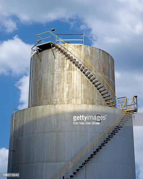 oil tank - eric van den brulle stock pictures, royalty-free photos & images