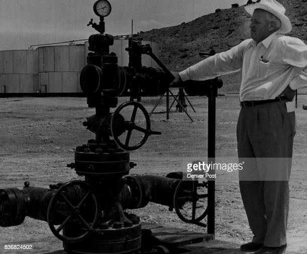 Oil US Tom Bolack independent oil operator from Farmington and president of the Bolack oil and Gas Co inspects the Texas company Navajo C1 well in...
