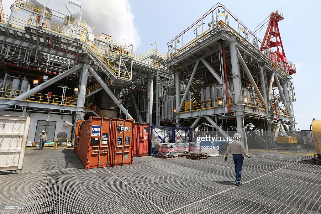 Offshore Oil Production In Nigeria's Agbami Deepwater Oilfield : News Photo