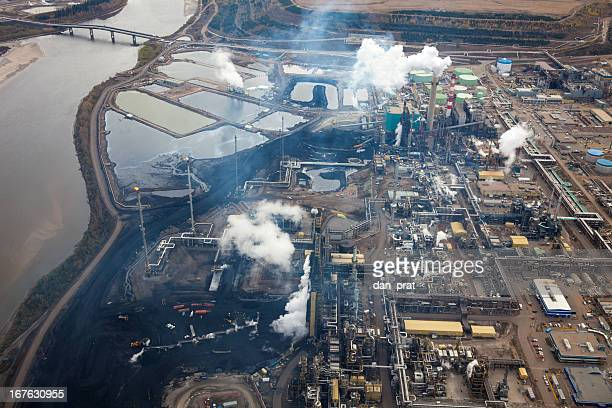 oilsands refinery - oil sands stock pictures, royalty-free photos & images