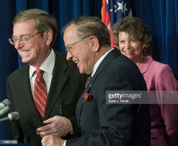 OILSenate Energy Chairman Pete V Domenici RNM Sen Ted Stevens RAlaska and Sen Lisa Murkowski RAlaska during a news conference after the Senate...