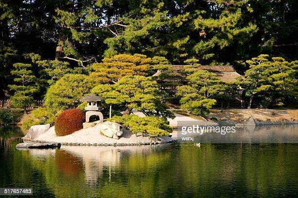 okayama korakuen - präfektur okayama stock-fotos und bilder