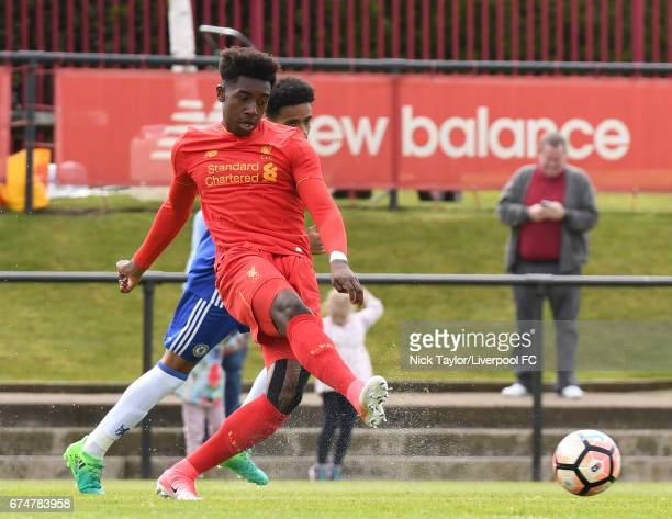 Okera Simmonds of Liverpool and Jacob Maddox of Chelsea in action during the Liverpool v Chelsea U18 Premier League game at The Kirkby Academy on...