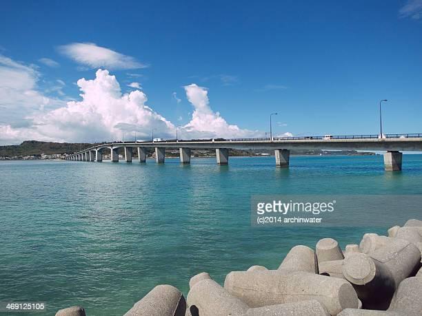 okinawan sea - 防波堤 ストックフォトと画像
