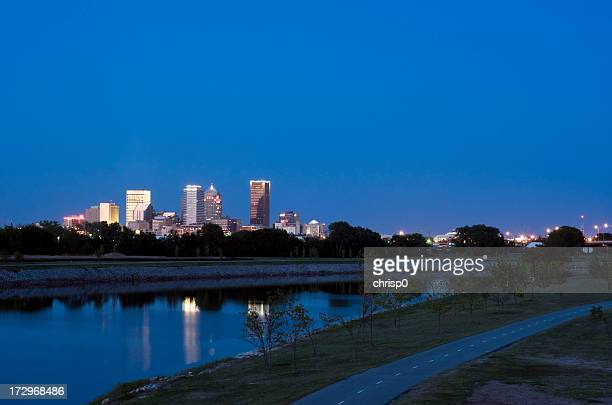 oklahoma city skyline at dusk - oklahoma city stock pictures, royalty-free photos & images