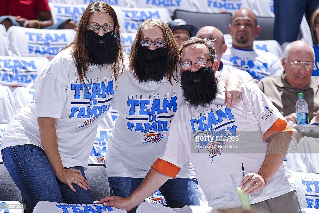 22f972667b9a Oklahoma City Thunder fans wear fake beard in honor of James Harden ...