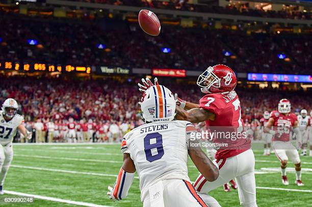 Oklahoma Sooners cornerback Jordan Thomas extends for a second half juggling interception of a pass intended for Auburn Tigers wide receiver Tony...