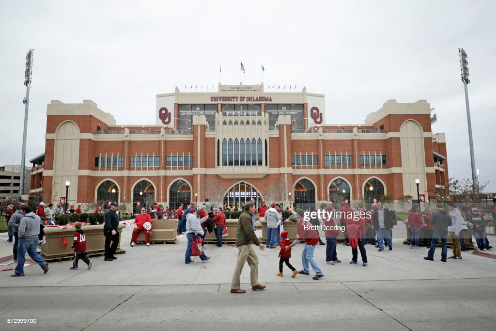 Oklahoma Sooners fans gather on the south end of the stadium before the game against the TCU Horned Frogs at Gaylord Family Oklahoma Memorial Stadium on November 11, 2017 in Norman, Oklahoma.