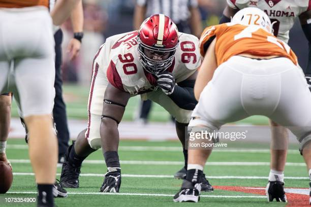 Oklahoma Sooners nose guard Neville Gallimore prepares for the snap during the Big 12 Championship game between the Oklahoma Sooners and the Texas...
