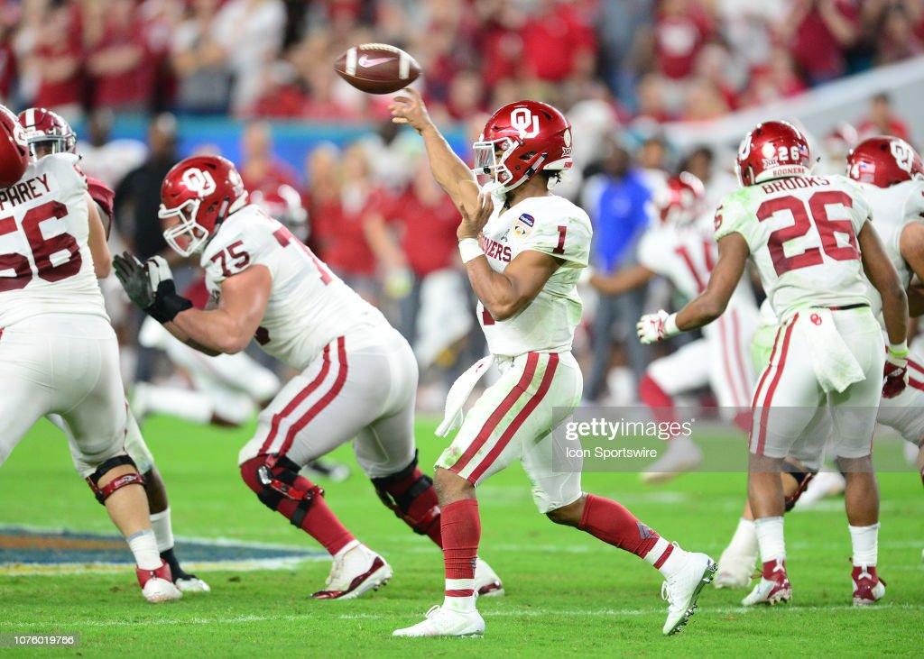 COLLEGE FOOTBALL: DEC 29 CFP Semifinal at the Orange Bowl - Alabama v Oklahoma : News Photo