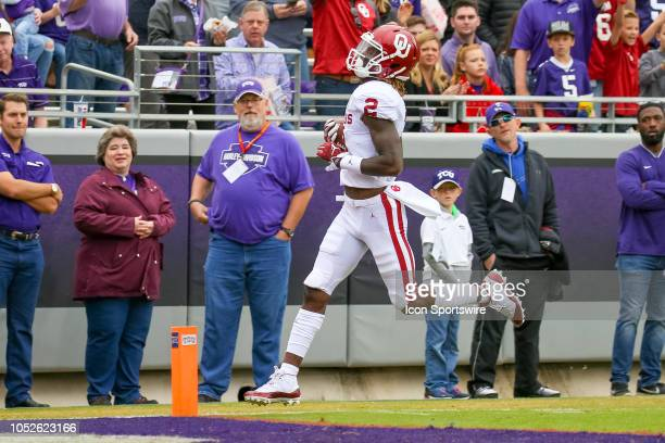Oklahoma Sooners wide receiver CeeDee Lamb makes a touchdown reception during the game between the Oklahoma Sooners and TCU Horned Frogs on October...
