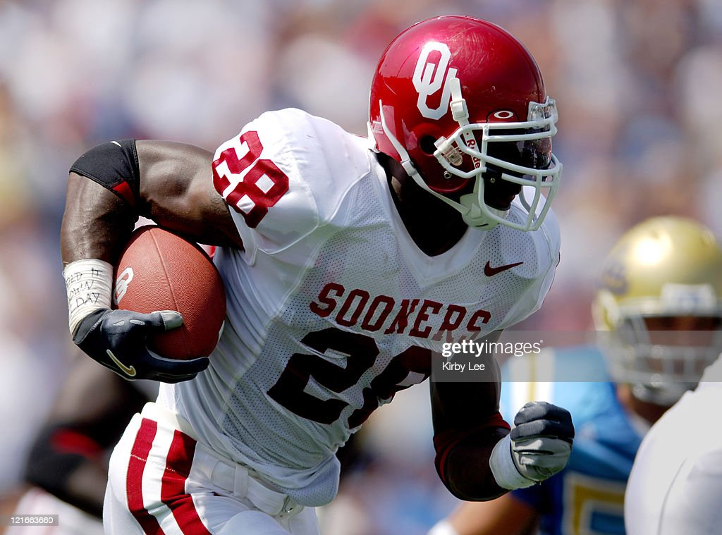 NCAA Football - Oklahoma vs UCLA - September 17, 2005